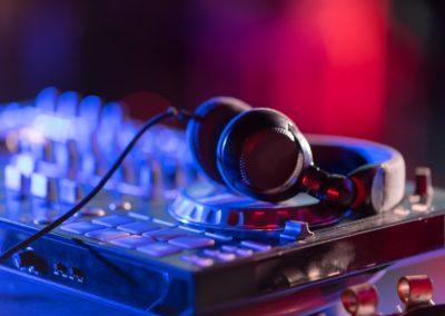Platines de mixage DJ Paris